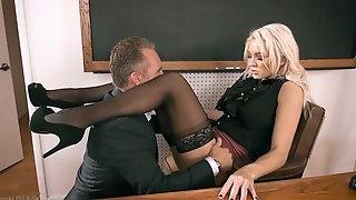 Headmaster enjoys fucking anal hole of smoking hot teacher Kenzie Taylor
