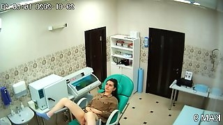 Spying for ladies in the gynaecologist office via hidden cam