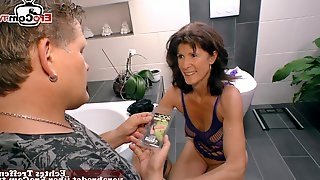 German skinny old mature mom fucks at home