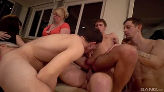 Sharlotte loves banging thither the brush bisexual friends on the couch
