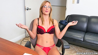 Gorgeous amateur Jenny Jett takes off the brush nice lingerie for sex