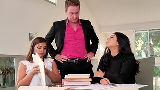Big models Ella Knox and Violet Myers team up be worthwhile for one man