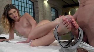 Best foot massage for pretty Romanian babe Candice Demellza