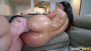 Balls deep fucking on the sofa with enormous hindquarters babe Flesh-coloured Monroe
