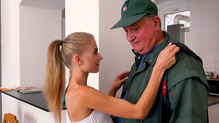 Younger Bonnie Dolce being fucked hard by an older dude in HD