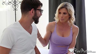 Seductive blondei Cory Go out after gets toyed and fucked anally for the principal time